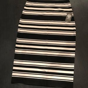 Vince Camuto NWT Black & White Pencil Skirt Small